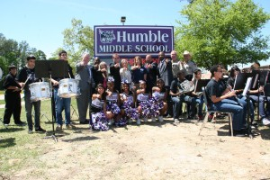 Reed family and Planet Ford donate a new school marquee to the local middle school