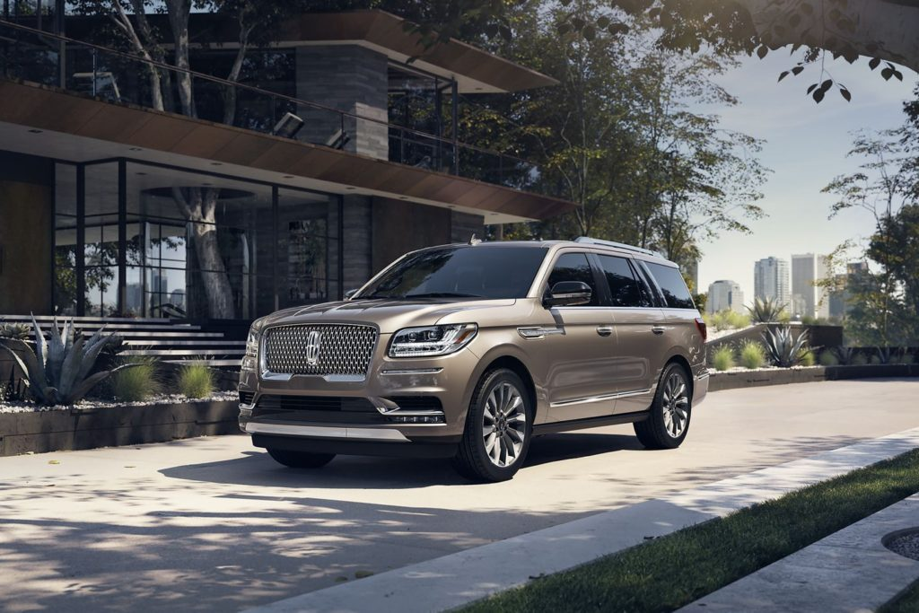 Lincoln Navigator Earns Best Large Luxury Suv Award From Edmunds The Reed Factorthe Reed Factor